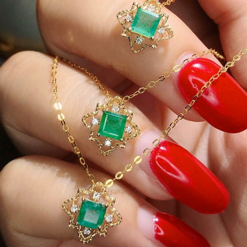 Natural Emerald & Diamond Vintage Necklace SS2013
