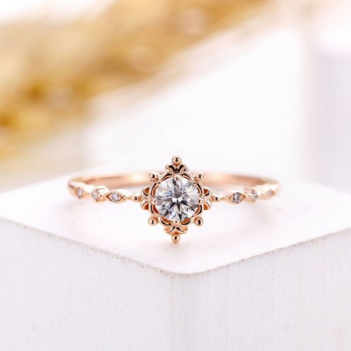Vintage Style Diamond Engagement Ring SS0010